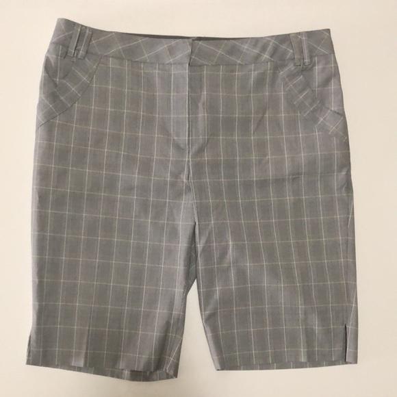 Cutter & Buck women's size 16 golf shorts